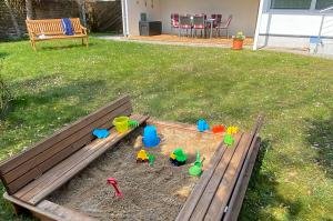 Sandkasten und Garten Ferienhaus Svante